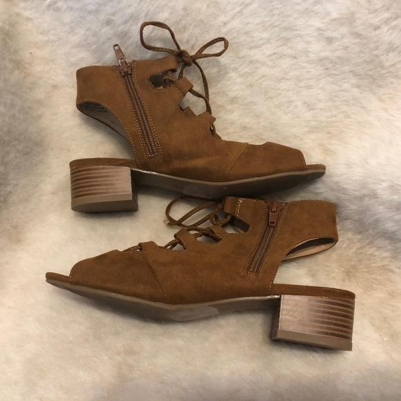 Steve Madden Shoes   Girls Dress 3